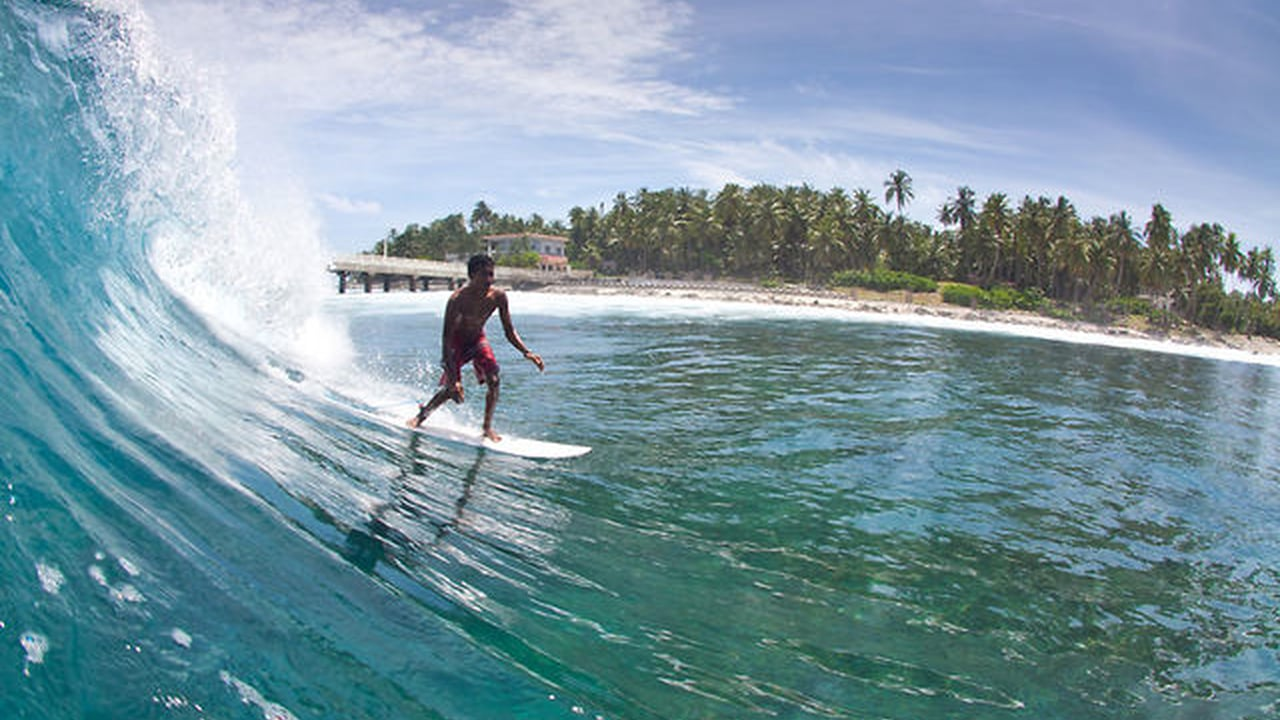 Check Out These Top 3 Surfing Clubs of India